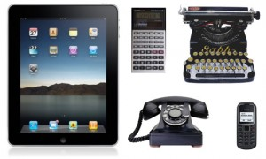 iPad e i vecchi device, macchine da scrivere, calcolatrici, cellulari