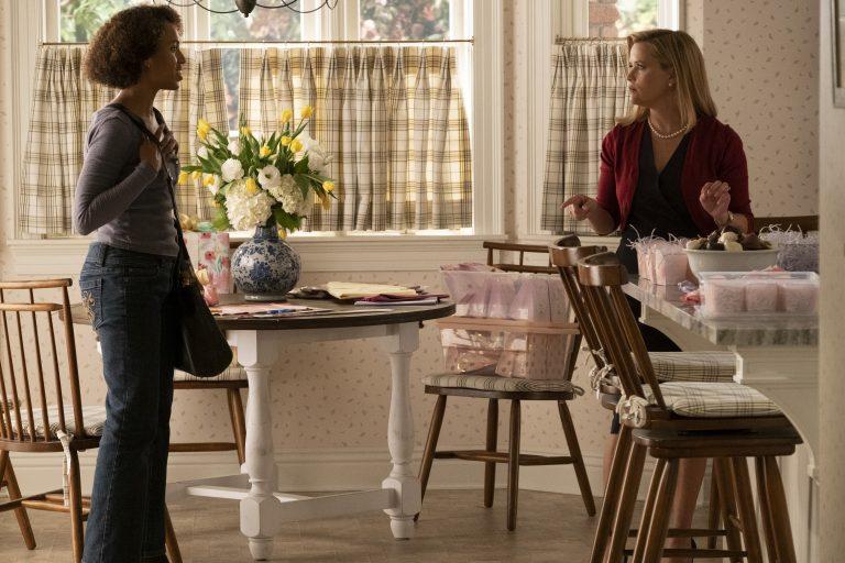 Mia Wright (Kerry Washington) e Elena Richardson (Reese Witherspoon)